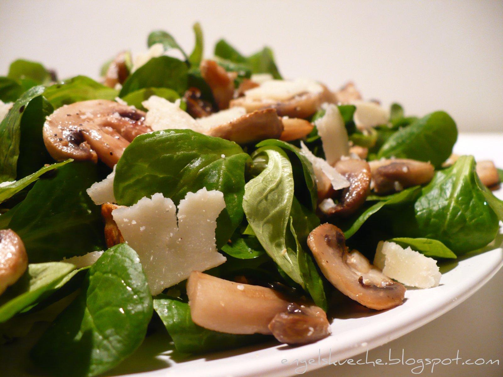 Essen aus Engelchens Küche: Grüner Salat mit gebratenen Champignons ...
