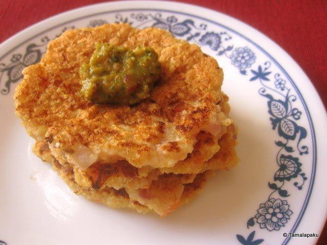 Poha-Oats-Quinoa Uthappam
