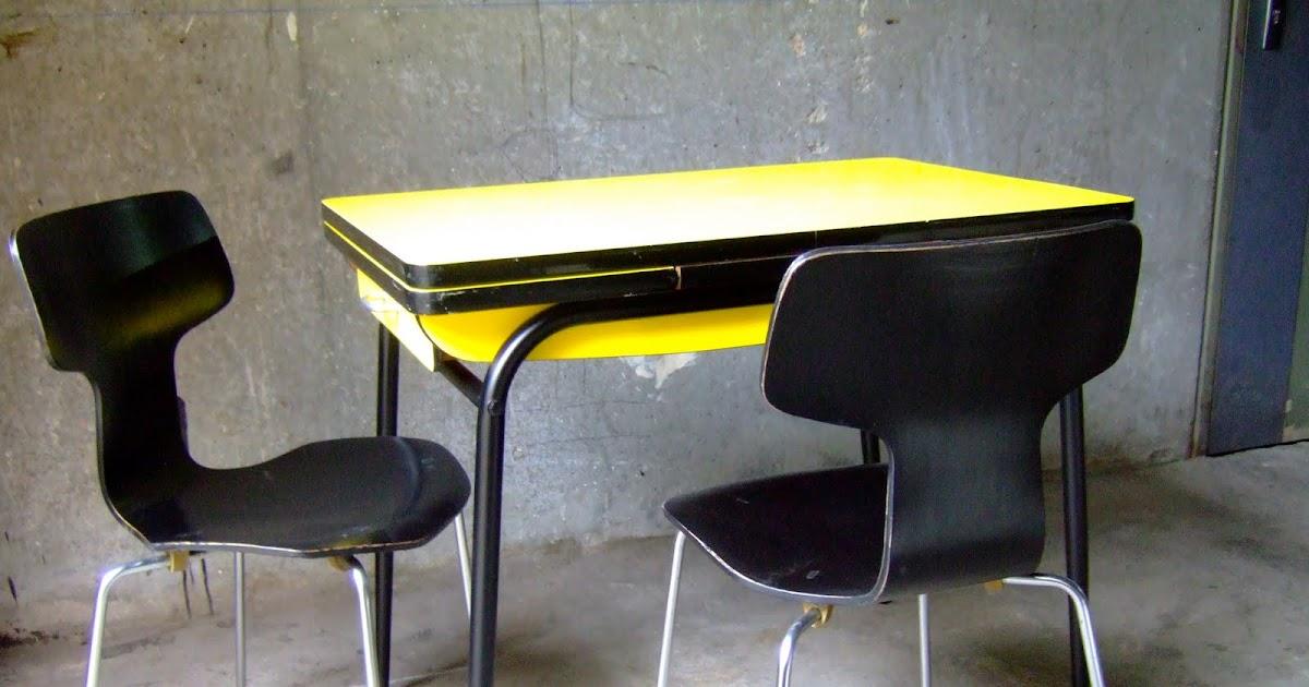 VINTAGE BAZAR TABLE CUISINE FORMICA JAUNE ANNÉE 60