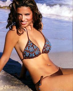 Adriana Lima Bikini Pics