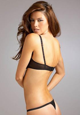 Aline Nakashima in lingerie
