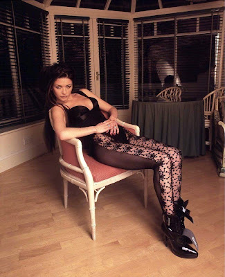 Catherine Zeta Jones in lace stockings