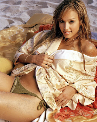 Some old pics of the sexy Jessica Alba