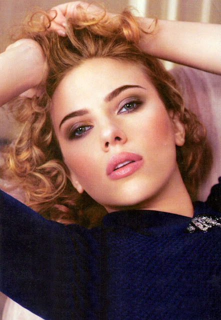 Scarlett Johanssons lips are looking incredibly luscious