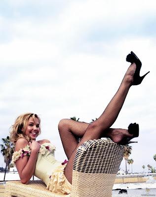 Arielle Kebbel is looking cute
