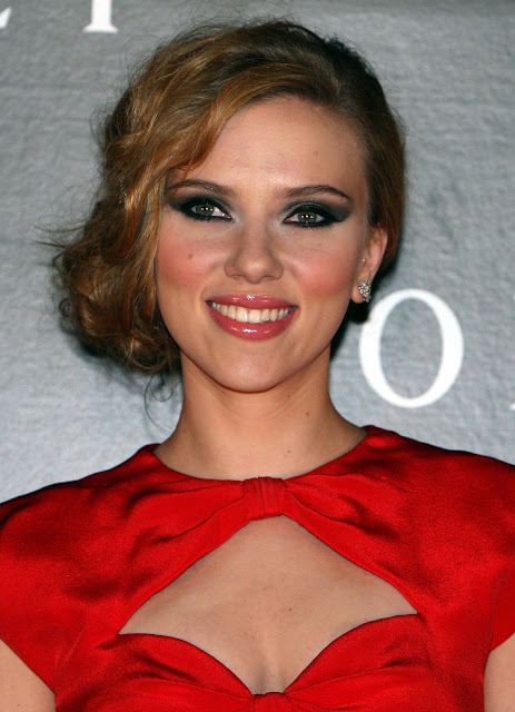 Scarlett Johansson - Sexy Woman in Red