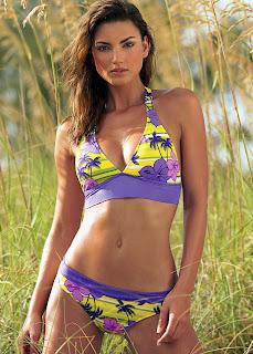 Jessiqa Pace looks fantastic in a bikini