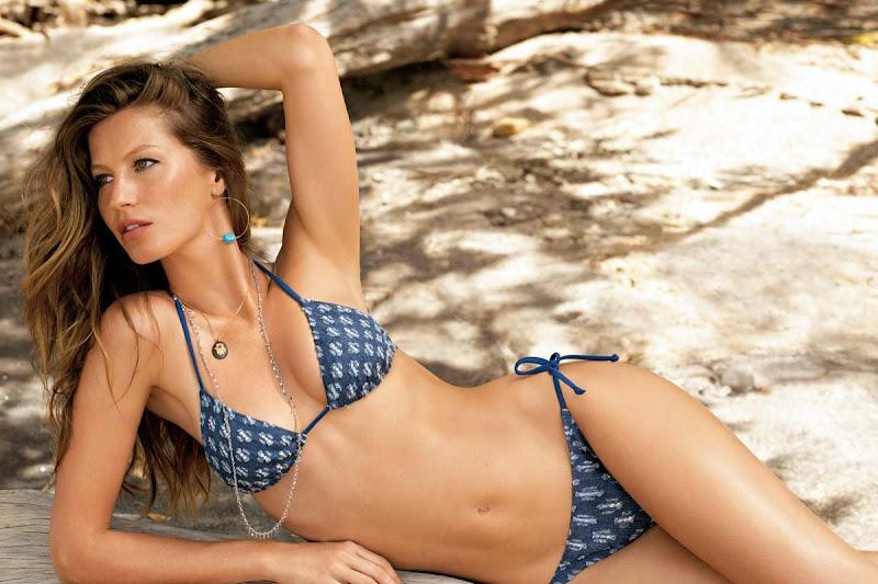 Gorgeous Gisele Bundchen Bikini Pics
