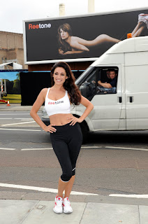 Kelly Brook sizzles in spandex