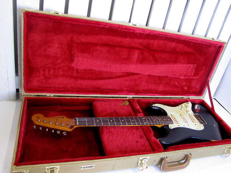 early bill nash relic decal blackie stratocaster guitar culture besides fsc the king of aged distressed s t types has to be bill nash yeah i know there a few other noteable builders who do this sort of thing