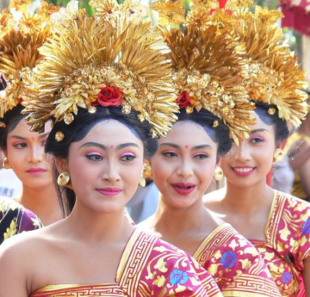 http://2.bp.blogspot.com/_xYZw4LQSdlI/THiSsTK6aeI/AAAAAAAAAAc/uFjLrc_NzV8/S760/Bali%2520arts%2520festival%5B1%5D.jpg