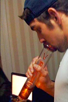 [Image: michael-phelps-smoking-pot-weed-marijuana.jpg]