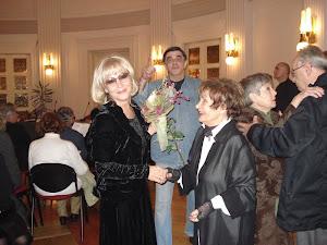 Ja, moja mama Vesna i moj suprug Zdenko u krugu ljubavi, našem prostor- vremenu