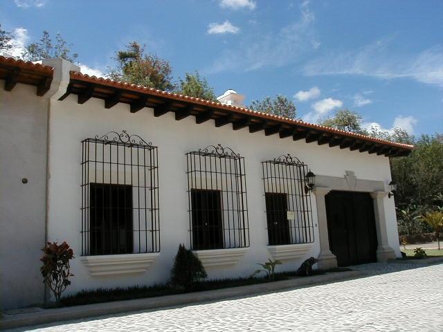Diseños Mario Alvarez: Casas Tipo Colonial