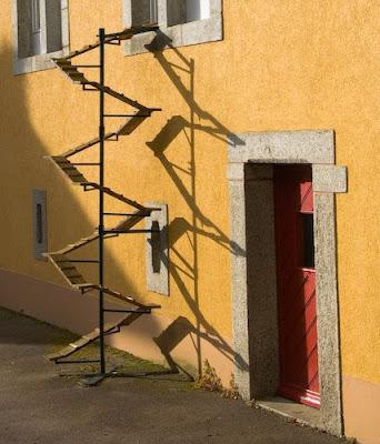 meu bixano escadas para bixanos. Black Bedroom Furniture Sets. Home Design Ideas