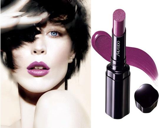 Bright Lipstick 2011. to emphasizeright lip,