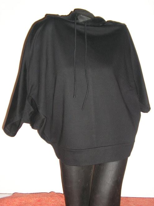 buzo de algodon rustico con capucha mangas muercielago