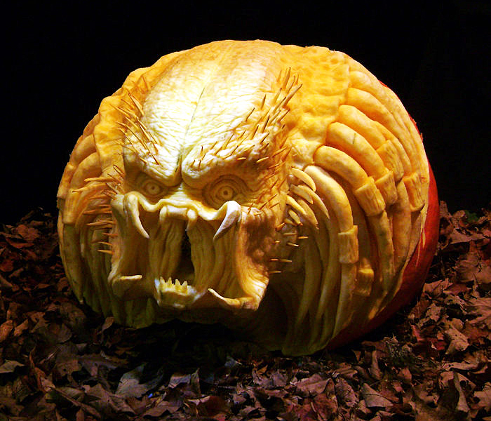 http://2.bp.blogspot.com/_xeOzo0Axgj0/TM0Q_5RAuyI/AAAAAAAABSk/CLuTdf1c3d0/s1600/img-predator_pumpkin_carving.jpg
