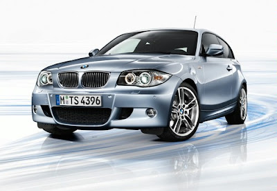 BMW 120i Coupé photos