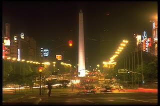 obelisco, calle corrientes, argentina travel, turismo y hoteles año 2009