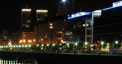 foto de puerto madero de noche, tour nocturno en buenos aires argentina