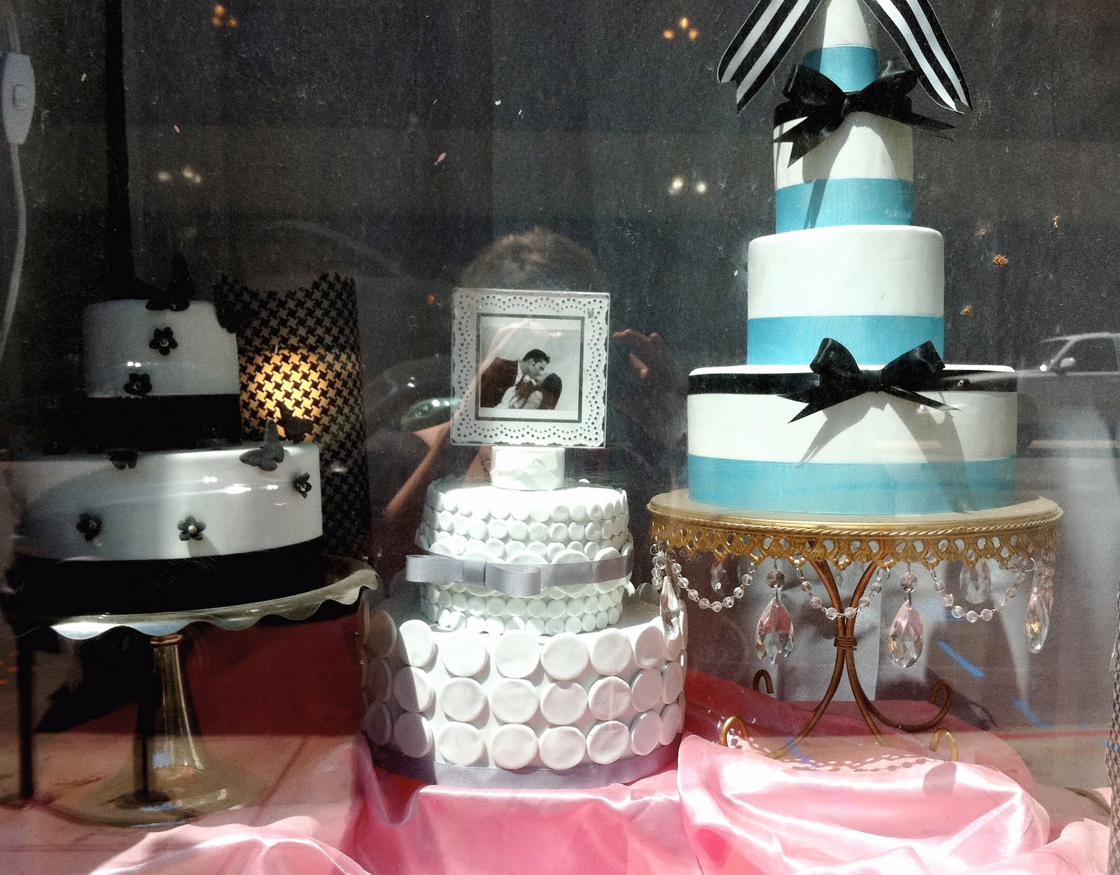 With A Great Location, Located Practically On 16th Street Mall In Downtown  Denver, Mermaids Bakery Satisfies The City With Cupcakes, Cakes  (glutenfree