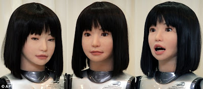Robot Catwalk, Inovasi Robot Fashion dari Jepang