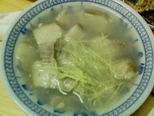 台北延平北路慈聖宮前的美味豬腿肉湯