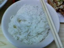 台北延平北路慈聖宮前的美味蒜泥麵線