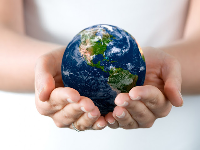 The+World+In+Your+Hands