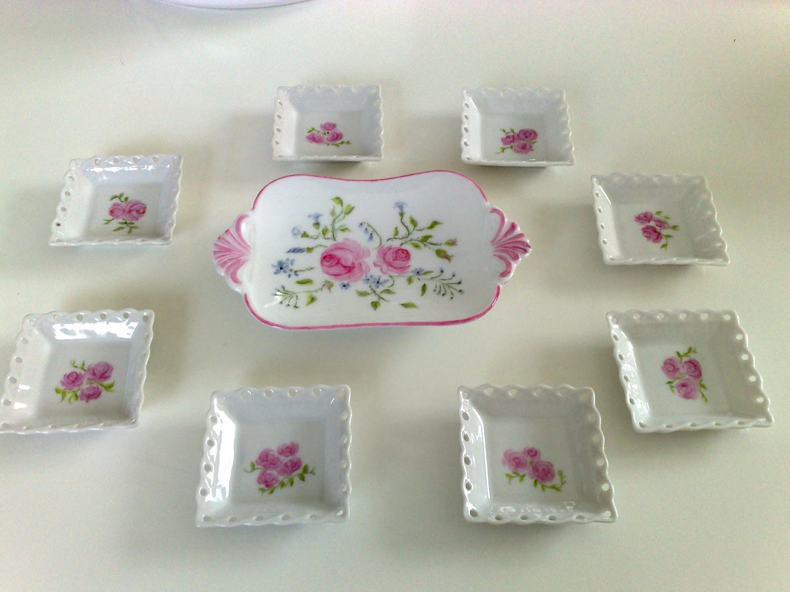 passion peinture et porcelaine l 39 entra nement pour les petites roses anciennes. Black Bedroom Furniture Sets. Home Design Ideas