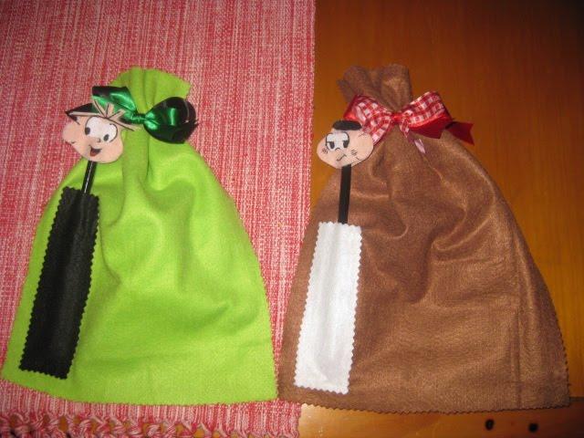 Saco com lápis do Cebolinha e Cascão ( para os meninos )