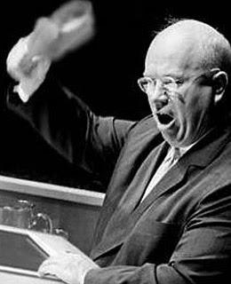 http://2.bp.blogspot.com/_xndfTvjqs70/SfUoa3Vf39I/AAAAAAAAAIk/s871En7pS04/s320/un_moments_khrushchev.jpg