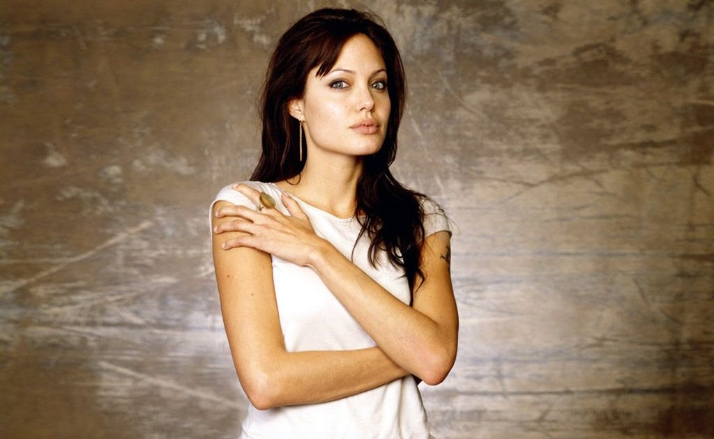 angelina jolie actress 4 Track breaking angelina jolie headlines on newsnow: the one-stop shop for angelina jolie news.