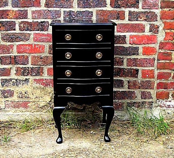 Brunome expo petit meuble anglais laqu noir for Meuble anglais