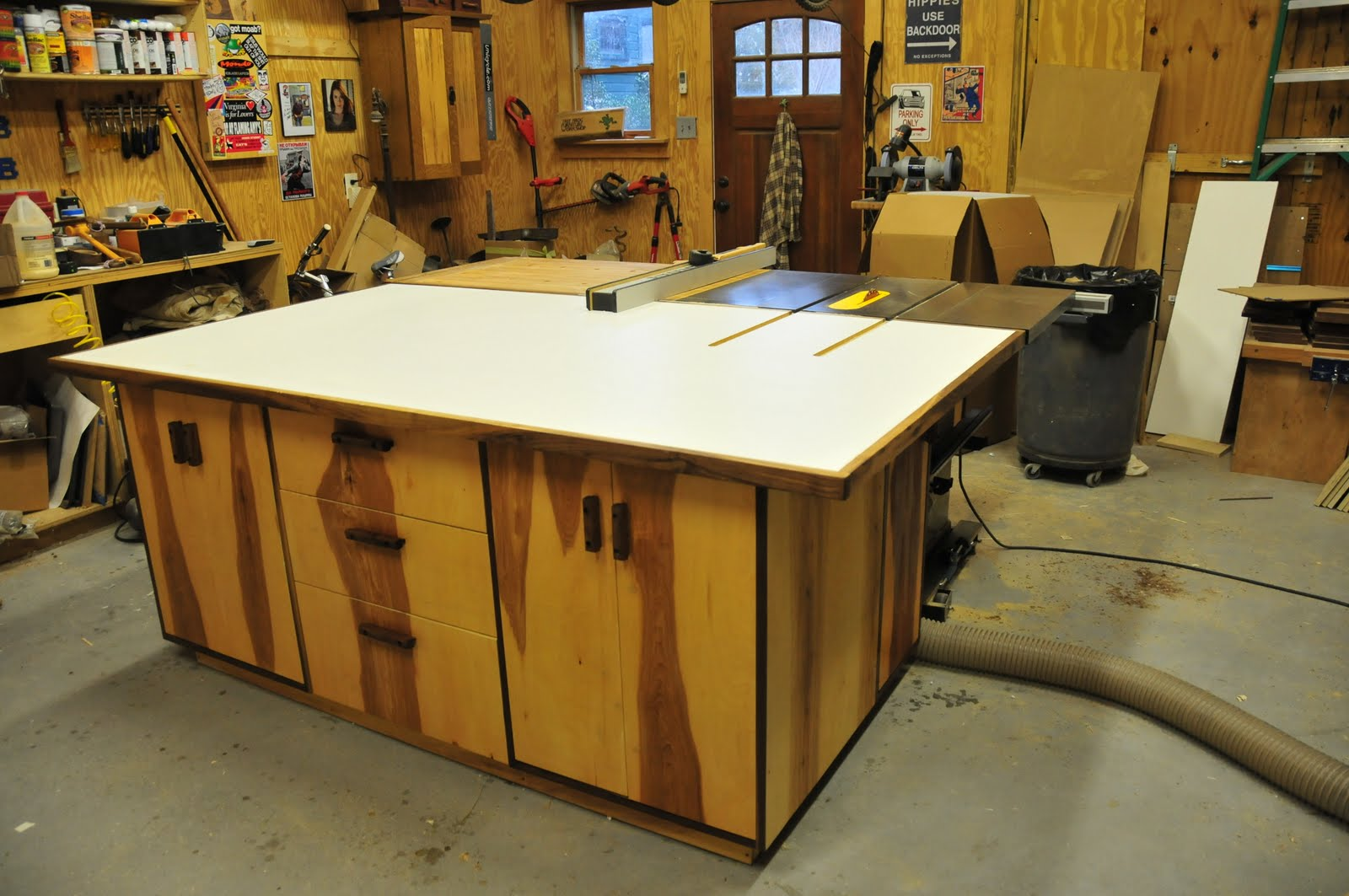 A New Assembly Table. treefrogfurniture  A New Assembly Table
