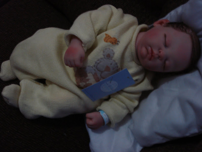 Bebê para adoção Caue