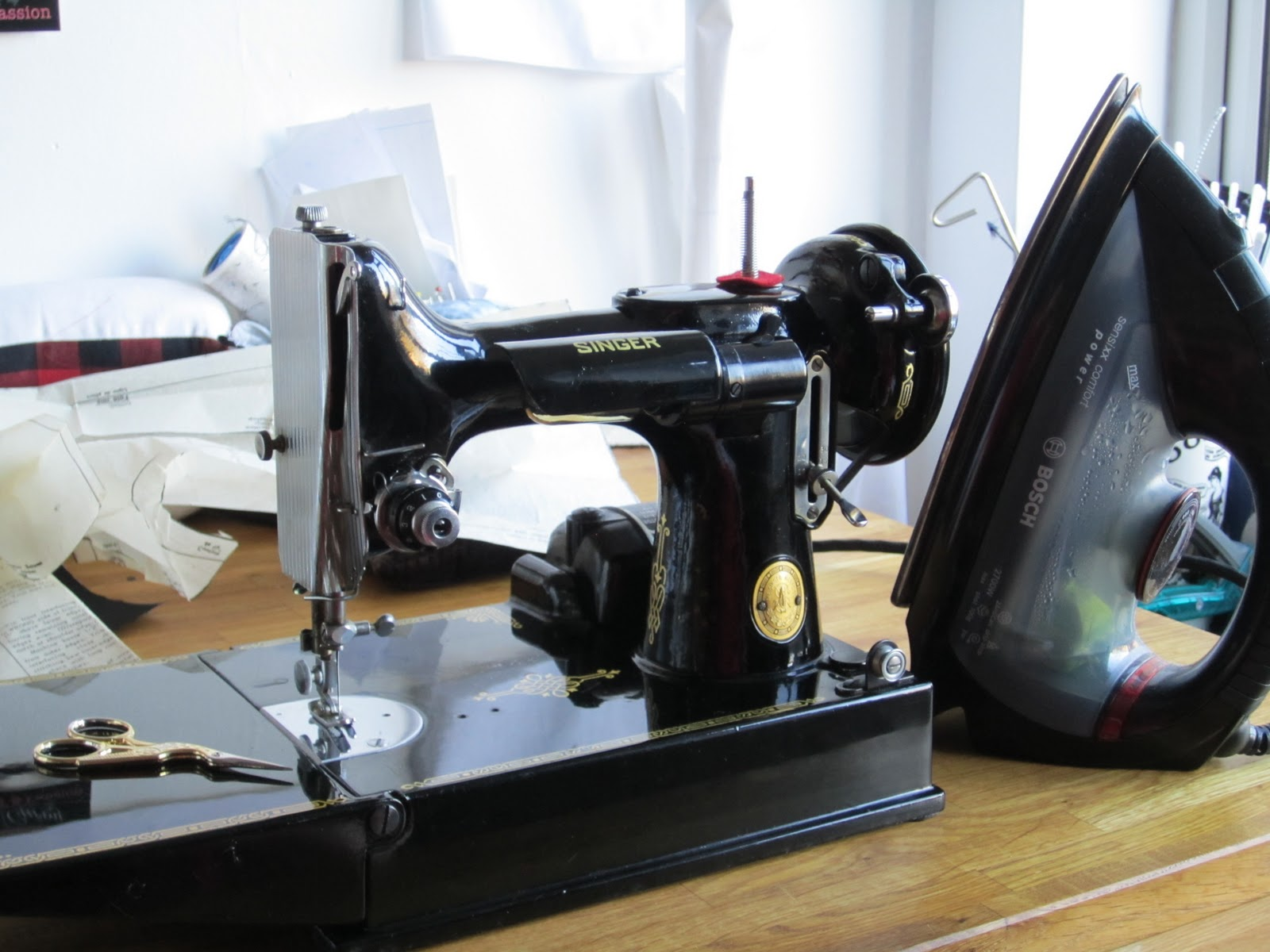 The Corset Channel My Vintage Sewing Machines Singer 221 K Machine Threading Diagram Compact And Bijoux Are Words For Little 221k Featherweight She Came With Handwritten Notes By Her Previous Owner