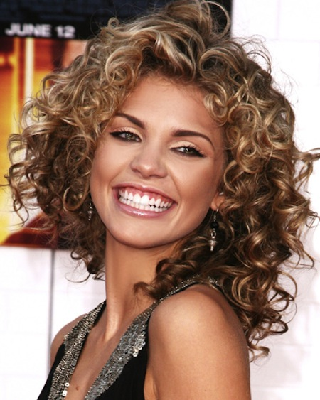 AnnaLynne McCord looks