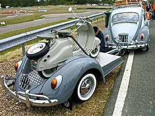 funny car photos volkswagen car with beetle traielr carrying vespa
