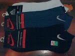 Kk Adidas, Nike