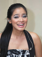 Titi Kamal telanjang