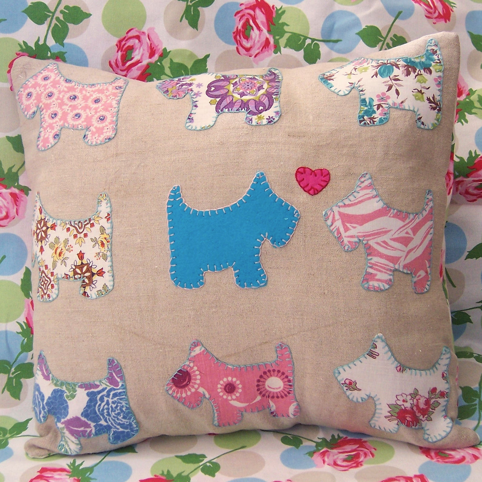 bustle and sew  scotty dog pillow cover     simplicity itself