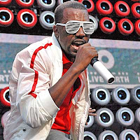 kanya west SNL performance, kanya west SNL video, kanya west SNL love lockdown, snl kanya west love lockdown, kanya west on SNL, kanya west snl, kanya west snl video, kanya west Saturday Night Live video, kanya west on SNL controversy, kanya west snl performance, kanya west performance on snl