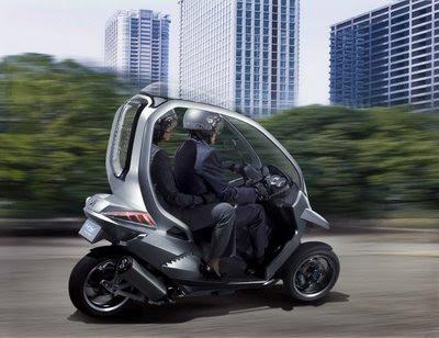 Scooter Híbrida de Três Rodas da Peugeot