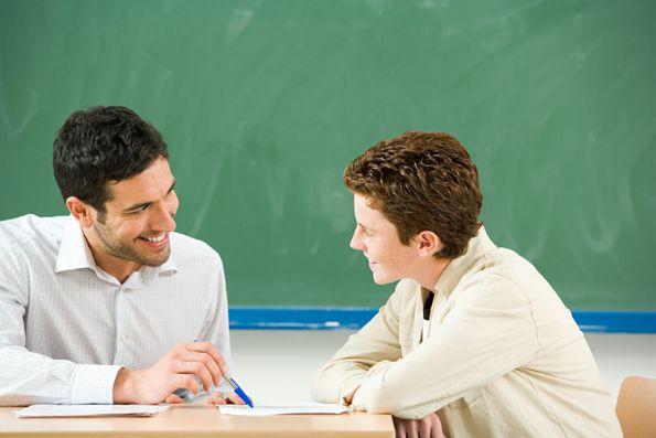 Resultado de imagen de fotos de alumnos con profesores en tutorias