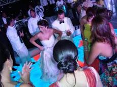 Pamela Sued y Giancarlo celebran primer año de boda en piyama