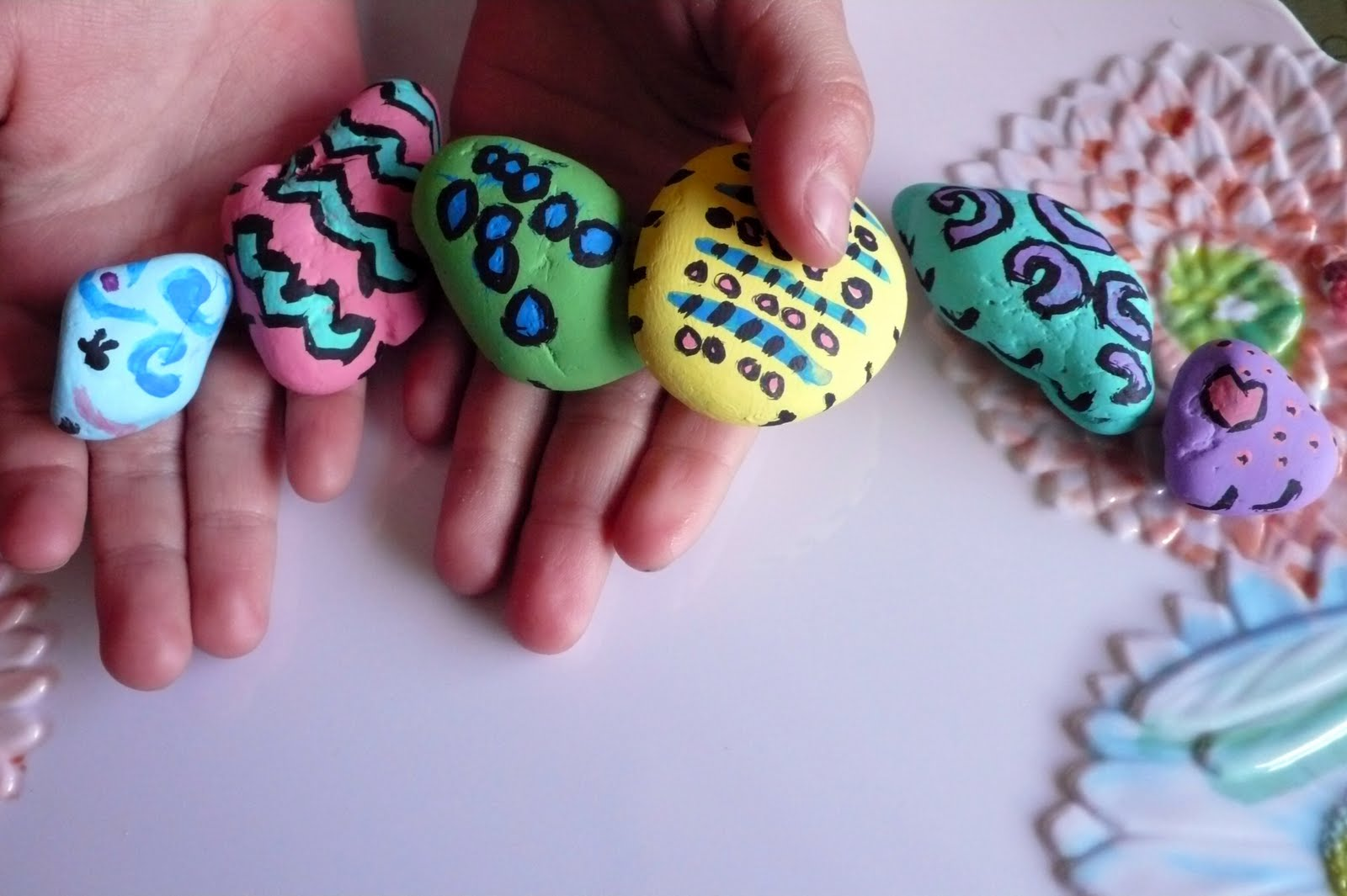 Art Food AND Motherhood: Recycled Art for Kids: Painted Rocks ...