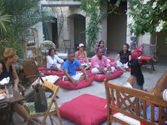 Avluda Meditasyon / Meditation at the courtyard