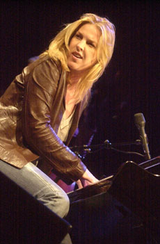 Rememberingabigailfolger blogspot likewise Diana Krall as well Watch furthermore 25qsH GfKfY additionally 6869712. on oscar peterson fly me to the moon